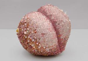 oeuvre d'art fruit pierres précieuses
